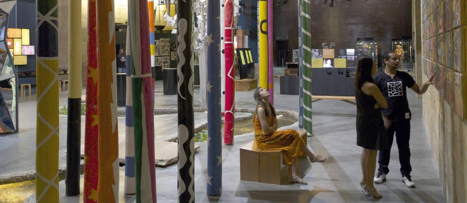 Cores. Peças de artesanato nordestino na exposição permanente do museu Cais do Sertão no Porto Novo, em Recife Foto: Hans Von Manteuffel / Hans Von Manteuffel/Arquivo