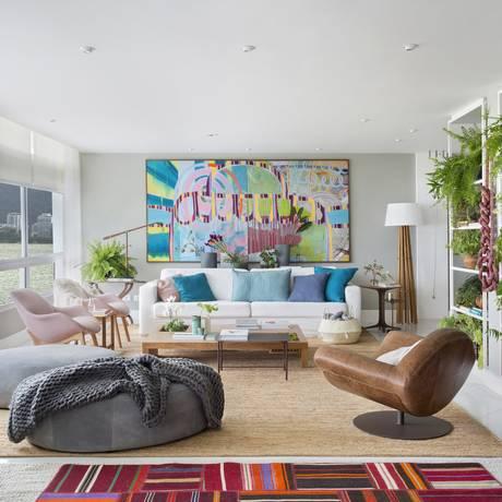 A sala do apartamento de Anna Luiza Rothier Foto: Juliano Colodeti/MCA Estúdio