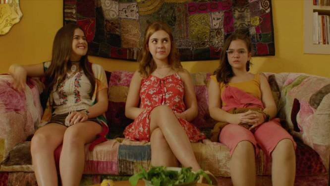 Gabi (Maísa Silva), Manu (Klara Castanho) e Ritinha (Mel Maia) Foto: Divulgação