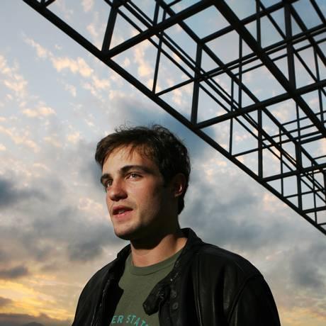 O ator Max Fercondini Foto: Simone Marinho
