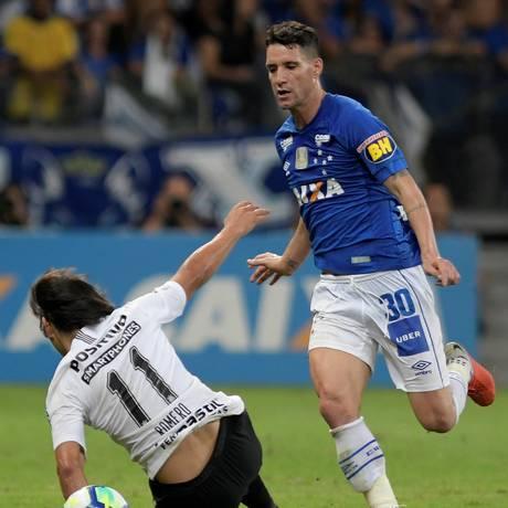 Thiago Neves marcou o gol da vitória do Cruzeira em cima do Corinthians Foto: WASHINGTON ALVES / REUTERS