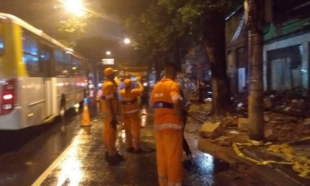 Marquise chegou a cair por causa da tempestade na Rua Haddock Lobo, na Tijuca Foto: Redes Sociais/ Centro de Operações Rio