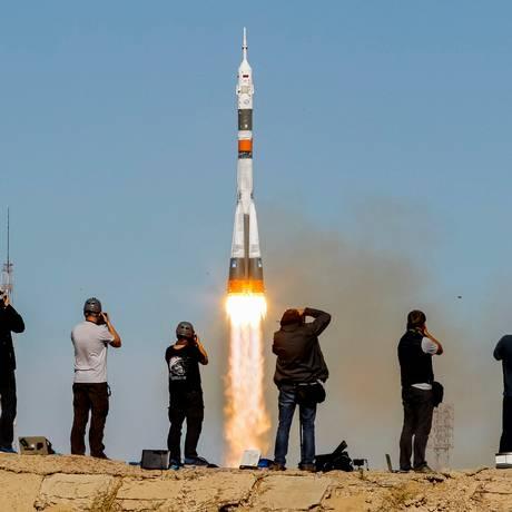 A Soyuz MS-10 decolou nesta quinta-feira do cosmódromo de Baykonur, no Cazaquistão Foto: SHAMIL ZHUMATOV / REUTERS