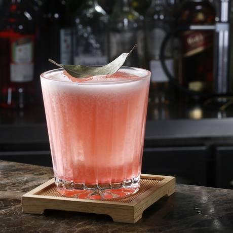 Drinque Perfect Season, do Julieta Bar, da Casa Julieta de Serpa Foto: Jose Renato Antunes / Divulgação
