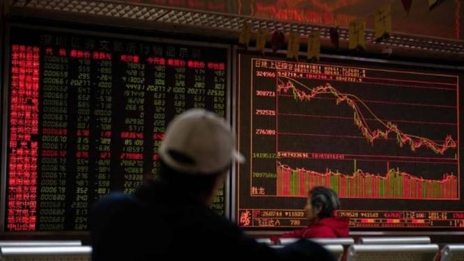 Mercados asiáticos despencaram nesta quinta-feira, após a pior sessão em Wall Street durante meses Foto: AFP