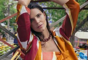 Daniella Sarahyba usa top e casaco, ambos Wymann Foto: Leandro Tumenas