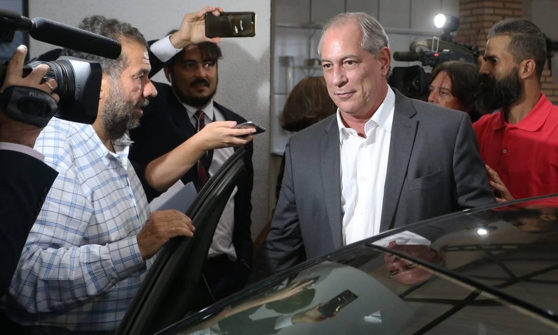 Cro Gomes, ao deixar reunião da Executiva Nacional do PDT, que decidiu 'apoio crítico' a Haddad Foto: Ailton de Freitas / Agência O Globo