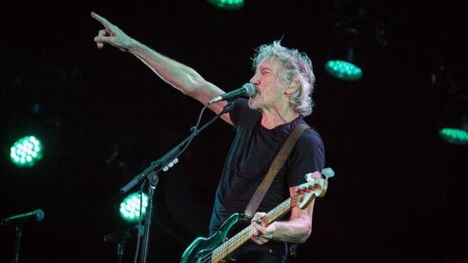 Roger Waters duranteo o show desta terça-feira, no Allianz Parque, em São Paulo Foto: Ale Frata / Agência O Globo