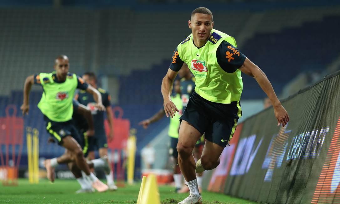 Richarlison durante treino do Brasil na Arábia Saudita Foto: Lucas Figueiredo/CBF