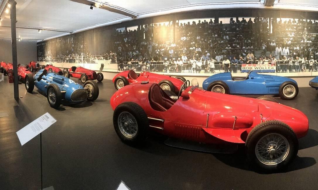 Em uma das alas, a coleção de monopostos de corridas. Amédée Gordini mandava seus carros para Mulhouse assim que eram aposentados das pistas. Em primeiro plano, uma Ferrari F2, de 1952, com motor de quatro cilindros e 1.984cm³ Jason Vogel / Jason Vogel