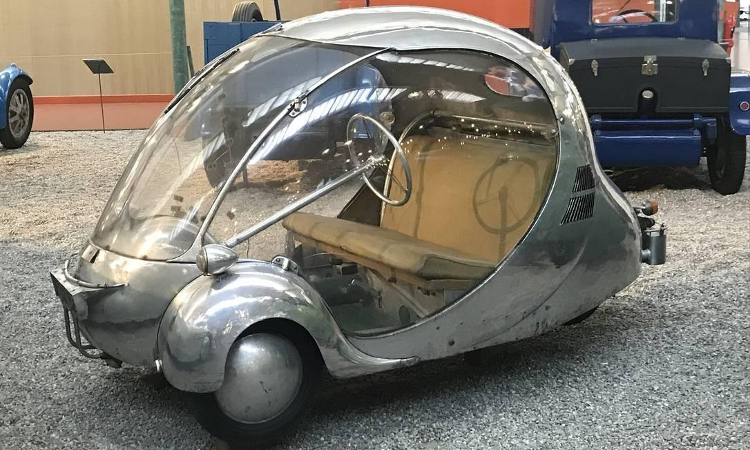 Criado por Paul Arzens em 1942, microcarro L'œuf encantou Ettore Bugatti Jason Vogel / Jason Vogel