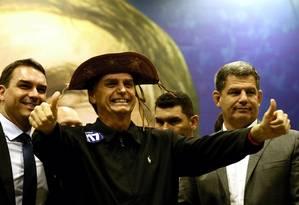 O candidato do PSL à Presidência, Jair Bolsonaro, participou de reunião com deputados eleitos do PSL Foto: Marcelo Theobald / Agência O Globo