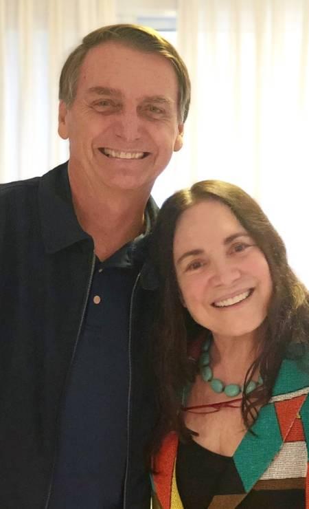 A atriz Regina Duarte visita Jair Bolsonaro Foto: Reprodução