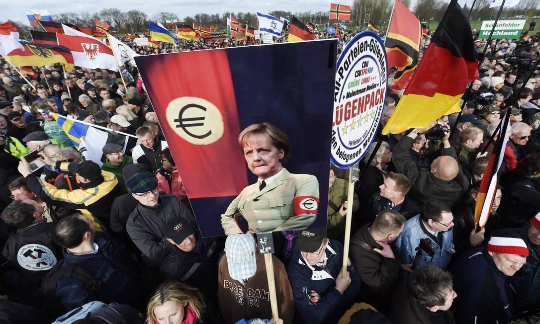 Manifestação em Dresden, na Alemanha, em 2015 Foto: Jens Meyer / AP