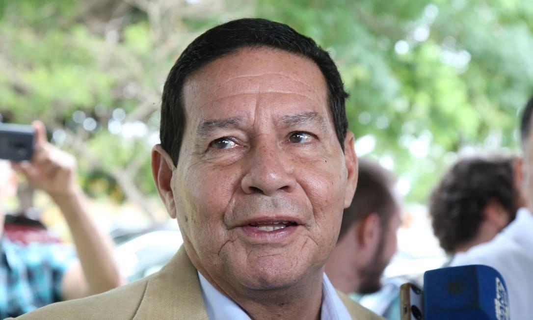 General Antônio Hamilton Mourão em entrevista no dia da eleição Foto: Ailton Freitas / Ailton Freitas