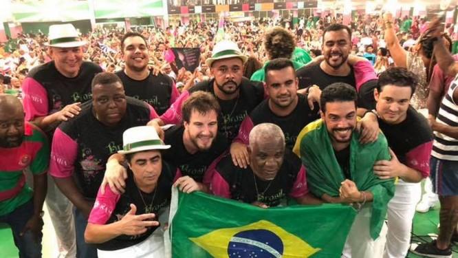 Compositores do samba-enredo escolhido para o carnaval 2019 da Mangueira  Foto  Reprodução 7bf1c4239e5