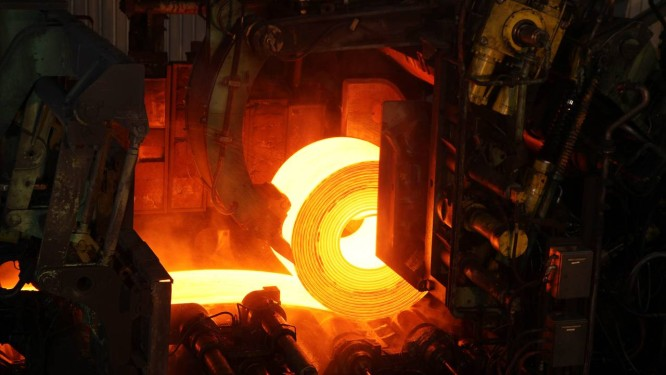 Alto-forno da ArcelorMittal, na Serra, no Espírito Santo: maior siderúrgica do mundo Foto: Rich Press/Bloomberg/27-07-2011