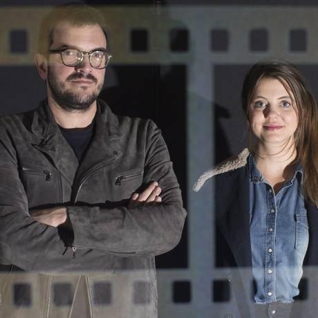 O produtor Rodrigo Teixeira e a cineasta Nina Kopko Foto: Edilson Dantas / O Globo