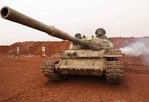 Tanque das forças rebeldes em Idlib, uma das áreas mais afetadas pelas armas químicas na guerra civil Foto: OMAR HAJ KADOUR / AFP