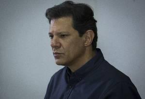 O candidato do PT à Presidência, Fernando Haddad, durante entrevista coletiva Foto: Edilson Dantas/Agência O Globo