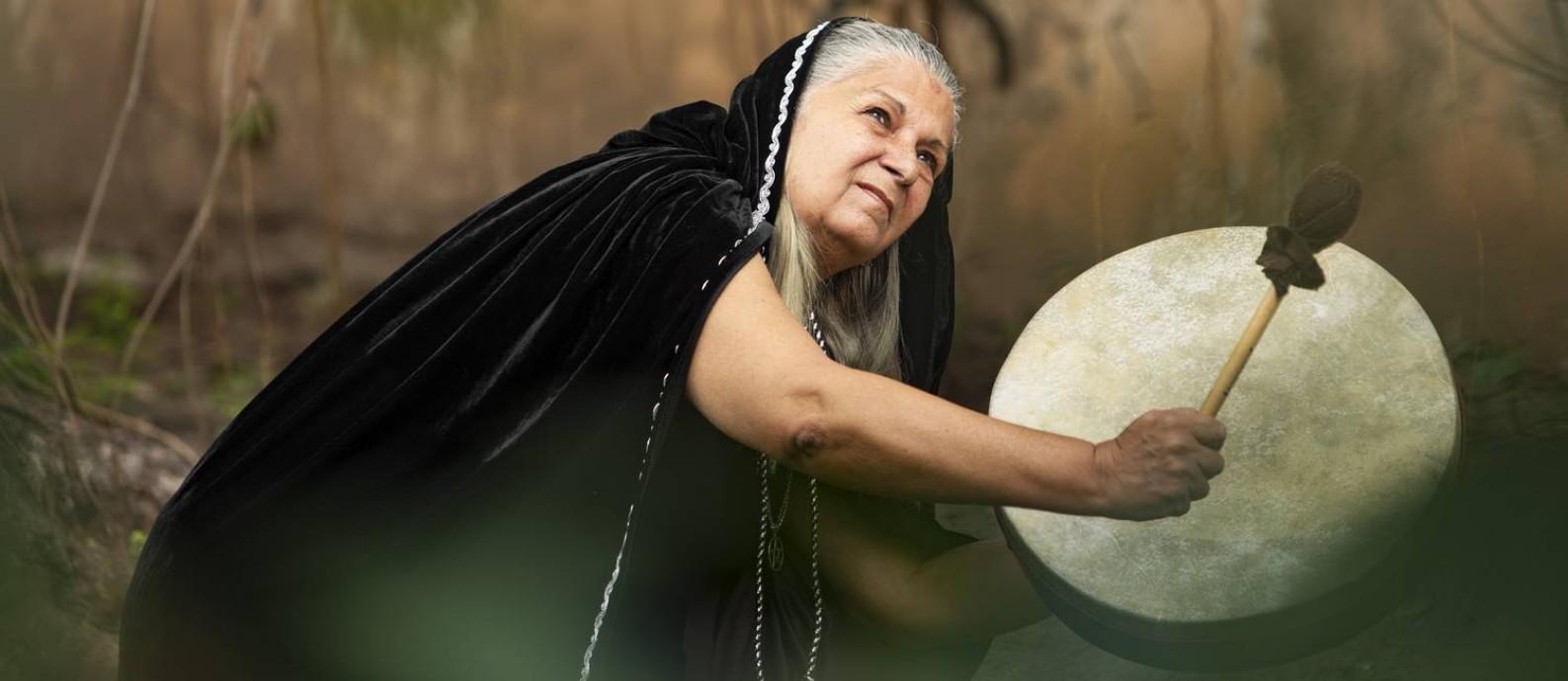 Jussara Gabriel, suma-sacerdotisa wiccana, o mais alto grau da religião wicca Foto: Ana Branco / Agência O Globo