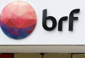 Logotipo da BRF Foto: Paulo Whitaker / Reuters