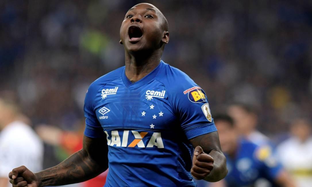 Sassá tem contrato com o Cruzeiro até 2021 Foto: WASHINGTON ALVES / REUTERS