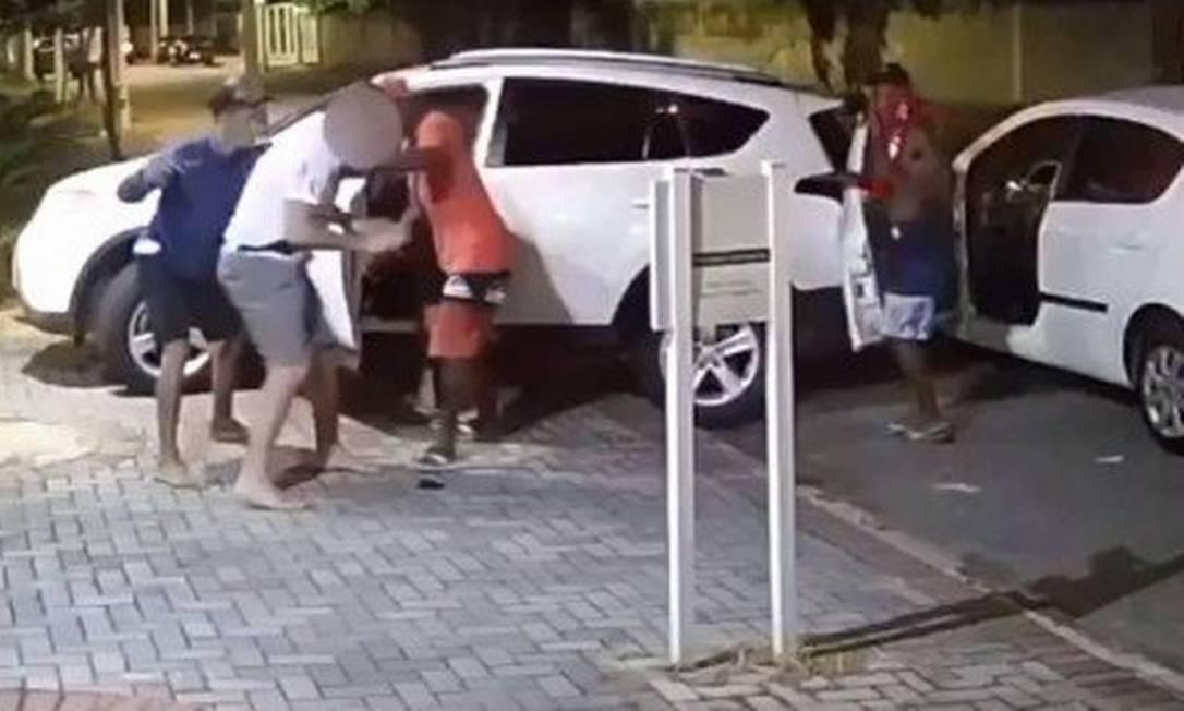 Roubo de carro na zona sul em Niterói