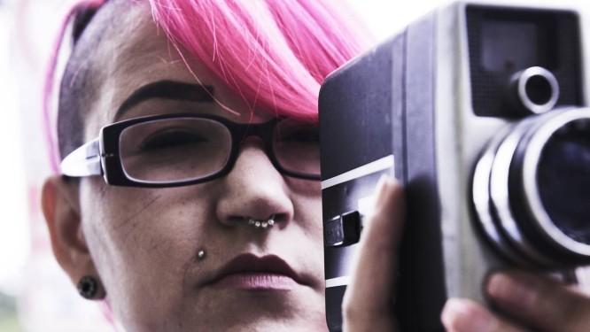 Mila Spook recebeu o Prêmio Sexy Hot de Melhor Direção por seu filme de estreia, [Des]Conectados. Foi a primeira vez que uma mulher levou o troféu para casa Foto: Marcelo Saraiva Chaves / Época