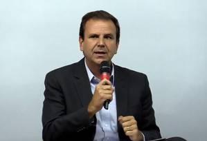 Eduardo Paes (DEM) participa de debate no Jornal O Globo Foto: Facebook/Globo