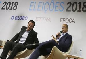 Candidatos a governador Eduardo Paes e Wilson Witzel durante debate no Jornal O Globo Foto: Antonio Scorza / Agência O Globo