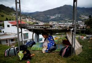 Grávida de sete meses, migrante venezuela descansa em abrigo improvisado em Pamplona, na Colômbia, durante seu trajeto até Bucaramanga Foto: CARLOS GARCIA RAWLINS / REUTERS