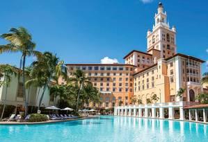A famosa piscina do hotel Biltmore, em Coral Gables, onde Johnny Weissmuller deu aulas antes de se imortalizar como Tarzan no cinema Foto: Divulgação