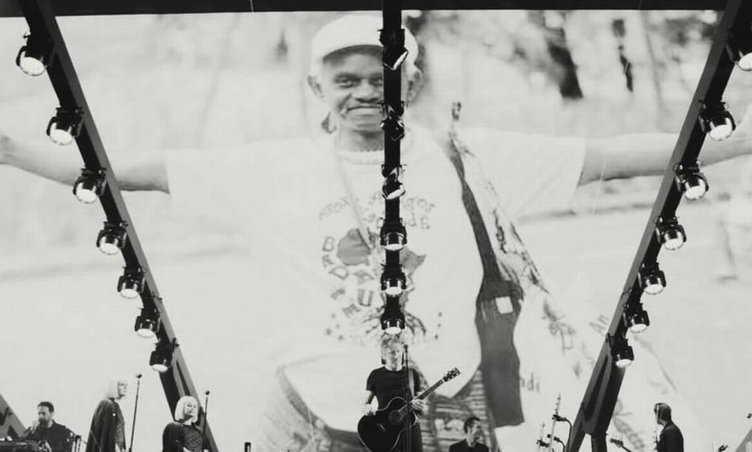 Roger Waters faz tributo a Moa do Katendê em show na Bahia Foto: Reprodução da Internet