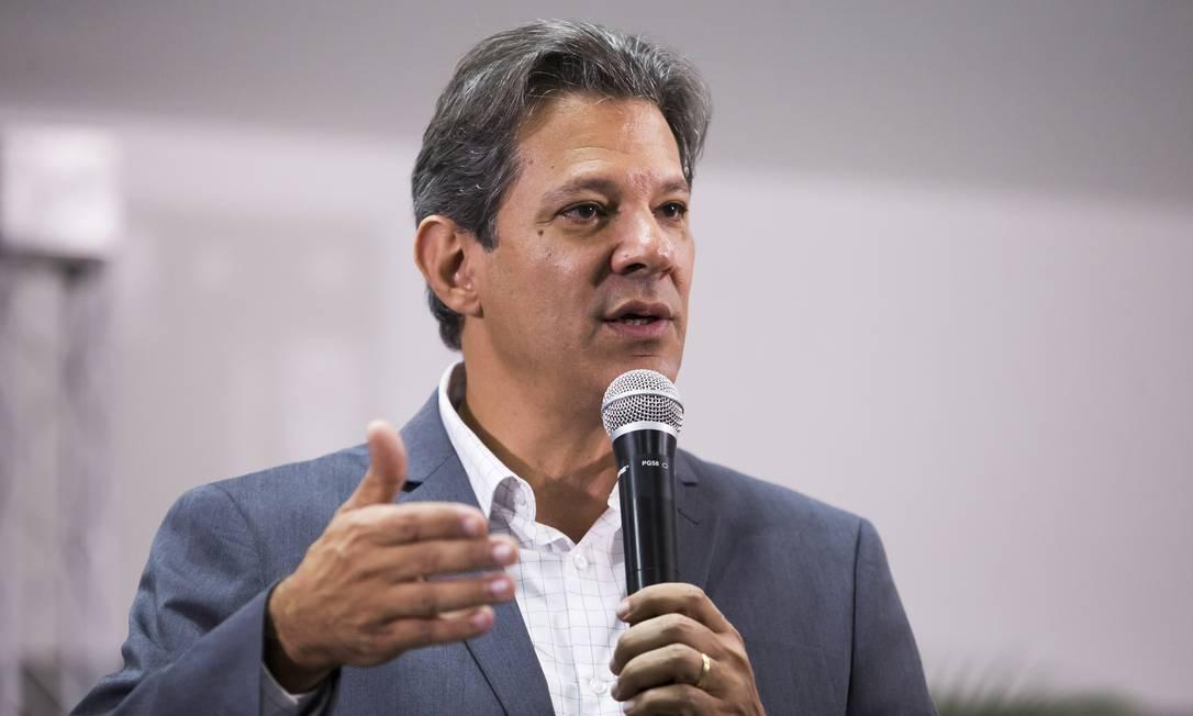 Haddad recebeu o apoio de juristas durante ato em São Paulo Foto: Edilson Dantas / Agência O Globo