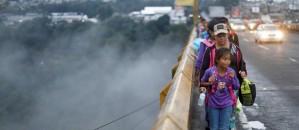 EDGARD GARRIDO / REUTERS