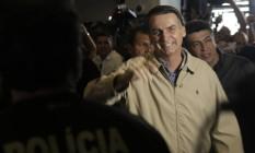 O candidato à Presidência Jair Bolsonaro visita a sede da Polícia Federal 17/10/2018 Foto: Gabriel de Paiva / Agência O Globo
