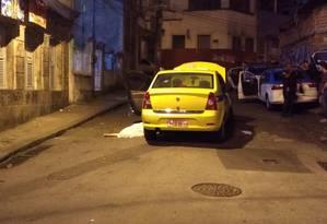Suspeito morreu no local após confronto Foto: Letícia Gasparini