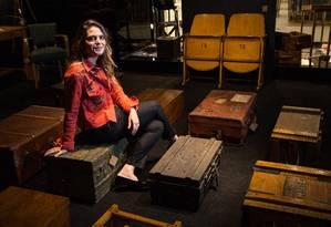 Paloma Danemberg, da loja de antiquarios moderninha ad.studio Foto: Emily Almeida / Agência O Globo