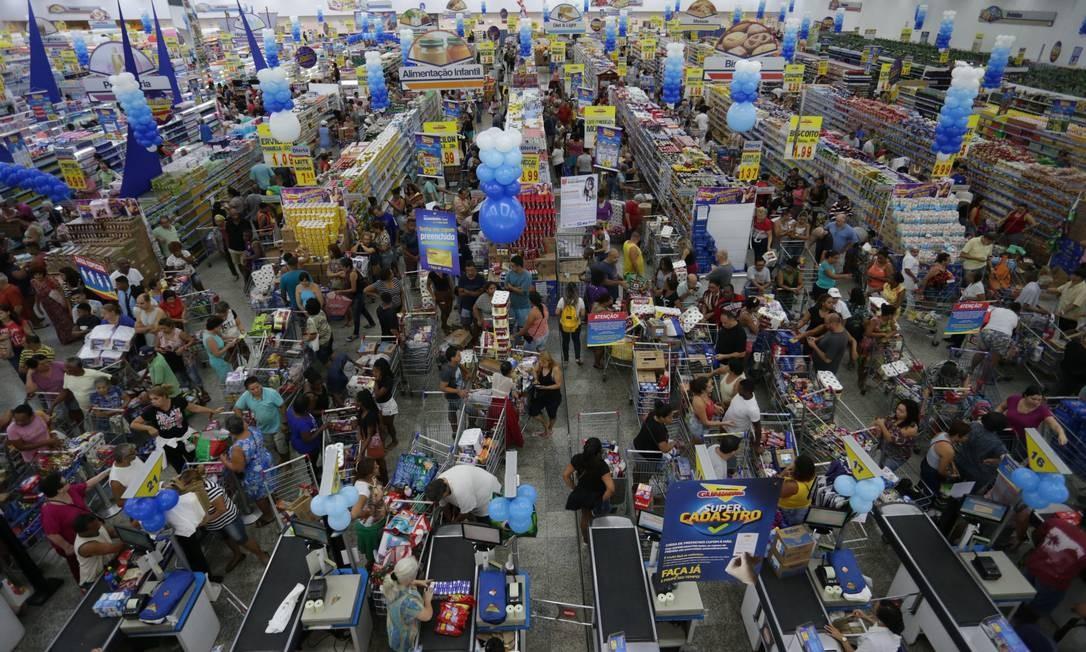 Aniversário do supermercado Guanabara. Na foto, o supermercado de Vila Isabel. Foto: Marcio Alves / Agência O Globo