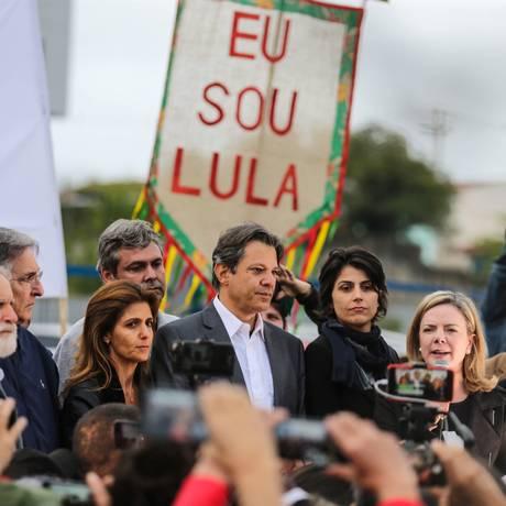 Fernando Haddad é confirmado candidato do PT à Presidência Foto: Geraldo Bubniak/Agência O Globo/11-09-2018