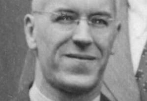 O médico Reginald Archibald: ele masturbava crianças para depois medir o tamanho do pênis Foto: Reprodução