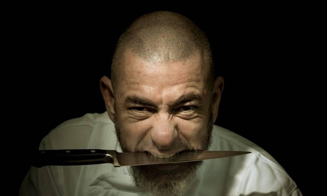 O chef Henrique Fogaça: hardcore e gastronomia gostosa Foto: Leo Martins