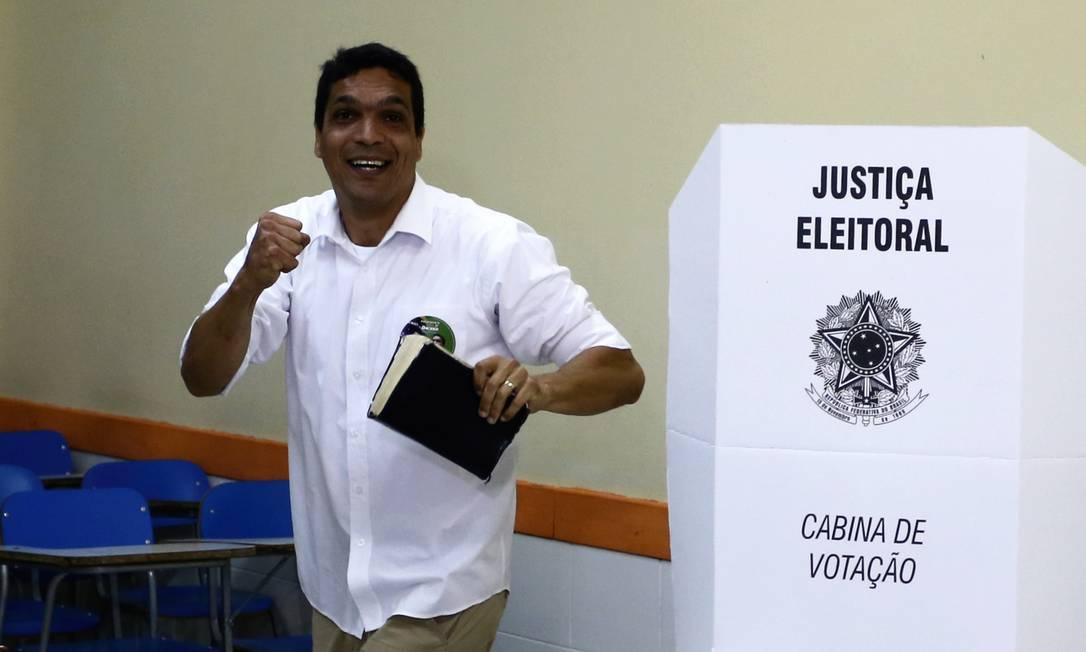 Cabo Daciolo votando no Recreio dos Bandeirantes, no Rio de Janeiro, das eleiões de 2018 Foto: Fabiano Rocha/Agência O Globo