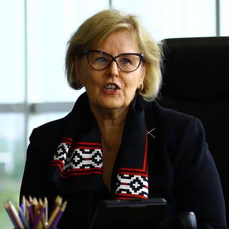 A presidente do TSE, ministra Rosa Weber, durante reunião Foto: Jorge William/Agência O Globo