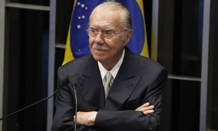 O ex-presidente José Sarney em discurso no Senado, em 2014 Foto: Givaldo Barbosa / Agência O Globo