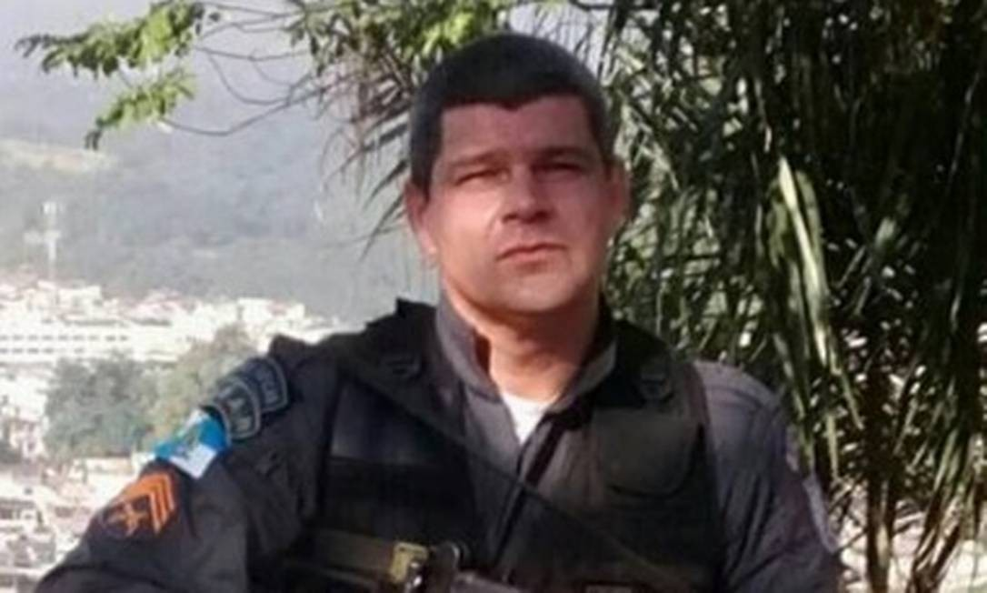 O PM Carlos Fernando, acusado de múltiplos homicídios Foto: Reprodução / Reprodução