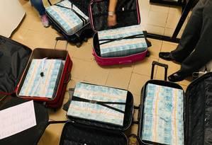 Cerca de R$ 15 milhões foram apreendidos com policiais civis de São Paulo detidos em Minas Foto: Divulgação/Polícia Civil de Minas Gerais