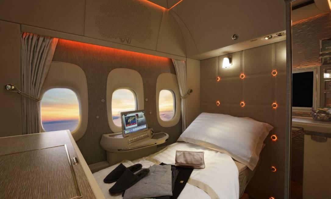 Luxo na Emirates: poltrona reclinável, de couro, criada em colaboração com a Mercedes-Benz Foto: Bloomberg
