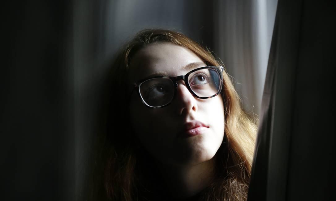 Diferença sutil. A publicitária Marina Schmidt se queixa do machismo no trabalho: tarefas similares, status mais baixo Foto: Antonio Scorza / Agência O Globo